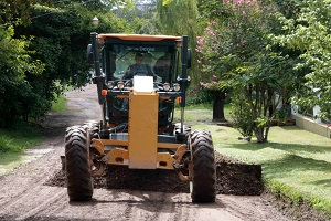 tractor 300×200